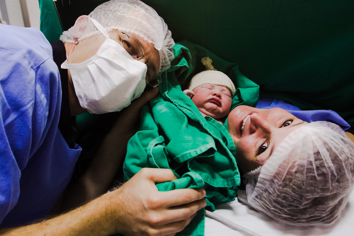 fotografia parto, aline paim fotografia, fotografia de familia, hospital dona helena, fotografo de parto em joinville