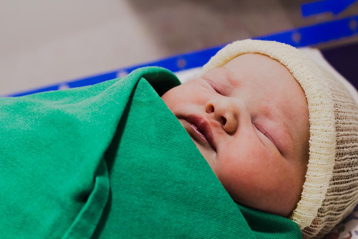 fotografia parto, aline paim fotografia, fotografia de familia, hospital dona helena, fotografo de parto em joinville, maternidade dona helena