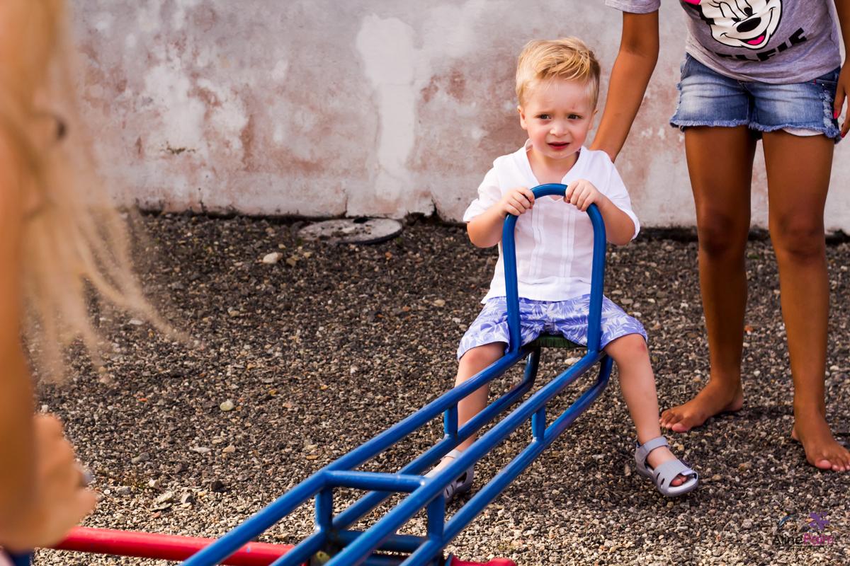 aniversariante, bebê brincando, foto aniversario infantil
