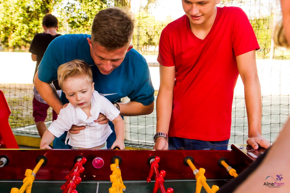 irmãos brincando, festa infantil, fotografia de familia, fotografo em joinville, fotografo para festa infantil
