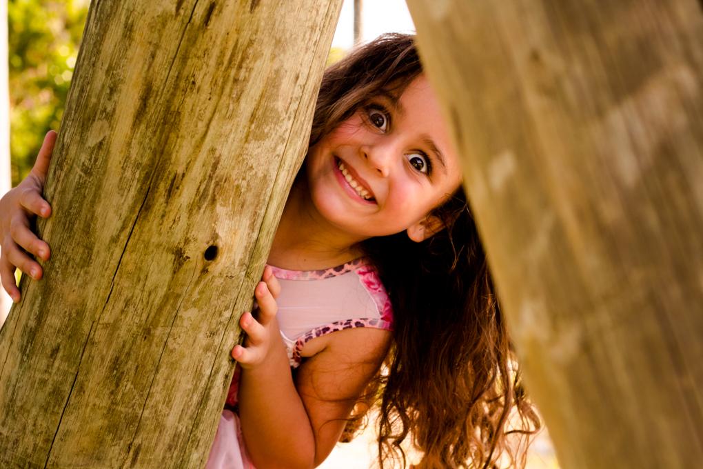 criança, brincandeira, ensaio externo, aline paim fotografia, gemeas, smash the fruit,joinville