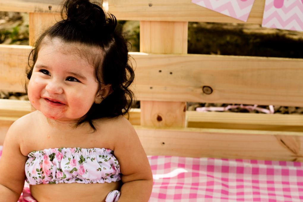 Ensaio Smash The Fruit, aline paim fotografia, ensaio externo, fotografia de familia, fotografo em joinville, bebê menina cabeluda, bebê cabeluda, menina cabelula