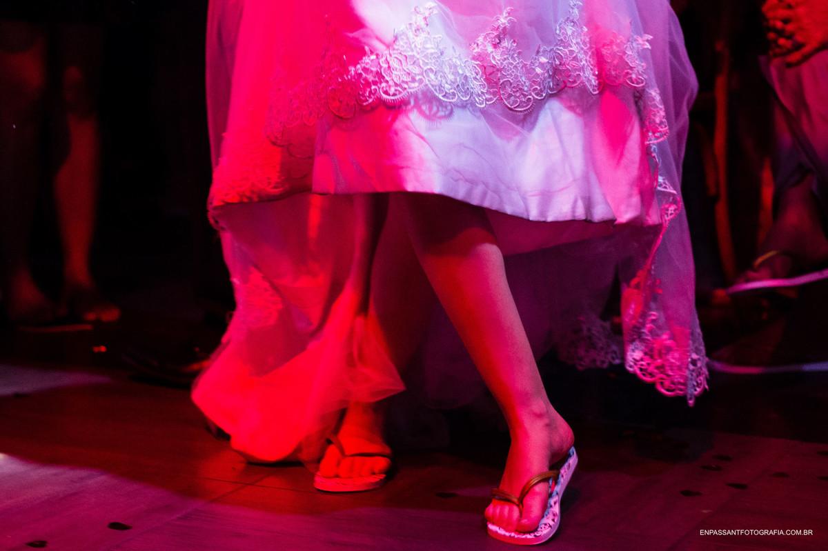pés da noiva
