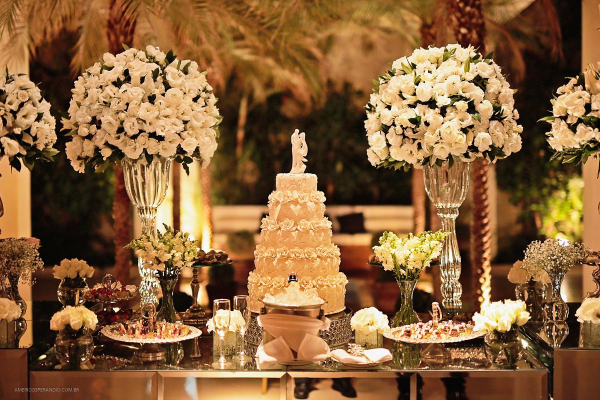 americo sperandio, decoração para casamento, buffet america tatuapé, americo sperandio, fotos de casamento buffet america, mesa do bolo, bolo cenográfico casamento,