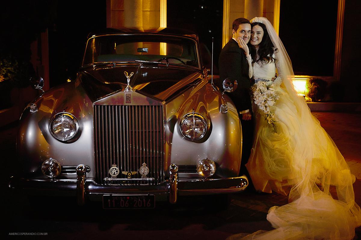 fotos de casamento, buffet america, tatuapé, americo sperandio, noiva moderna, noiva classica, vestido para noiva, buquê branco, carro para noiva
