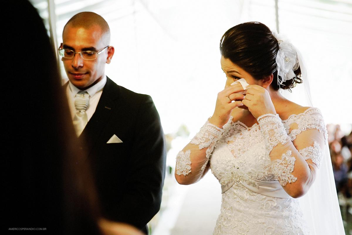 Chacara Recanto do Sol, americo sperandio, fotos de casamento, noiva chorando, terno para noivo
