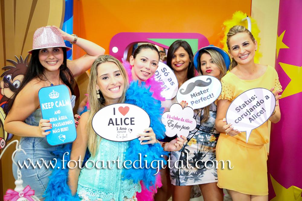 Foto de 1 Ano de Alice