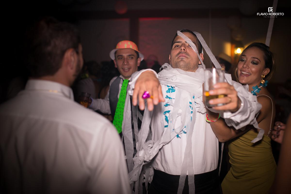 amigos loucos no casamento
