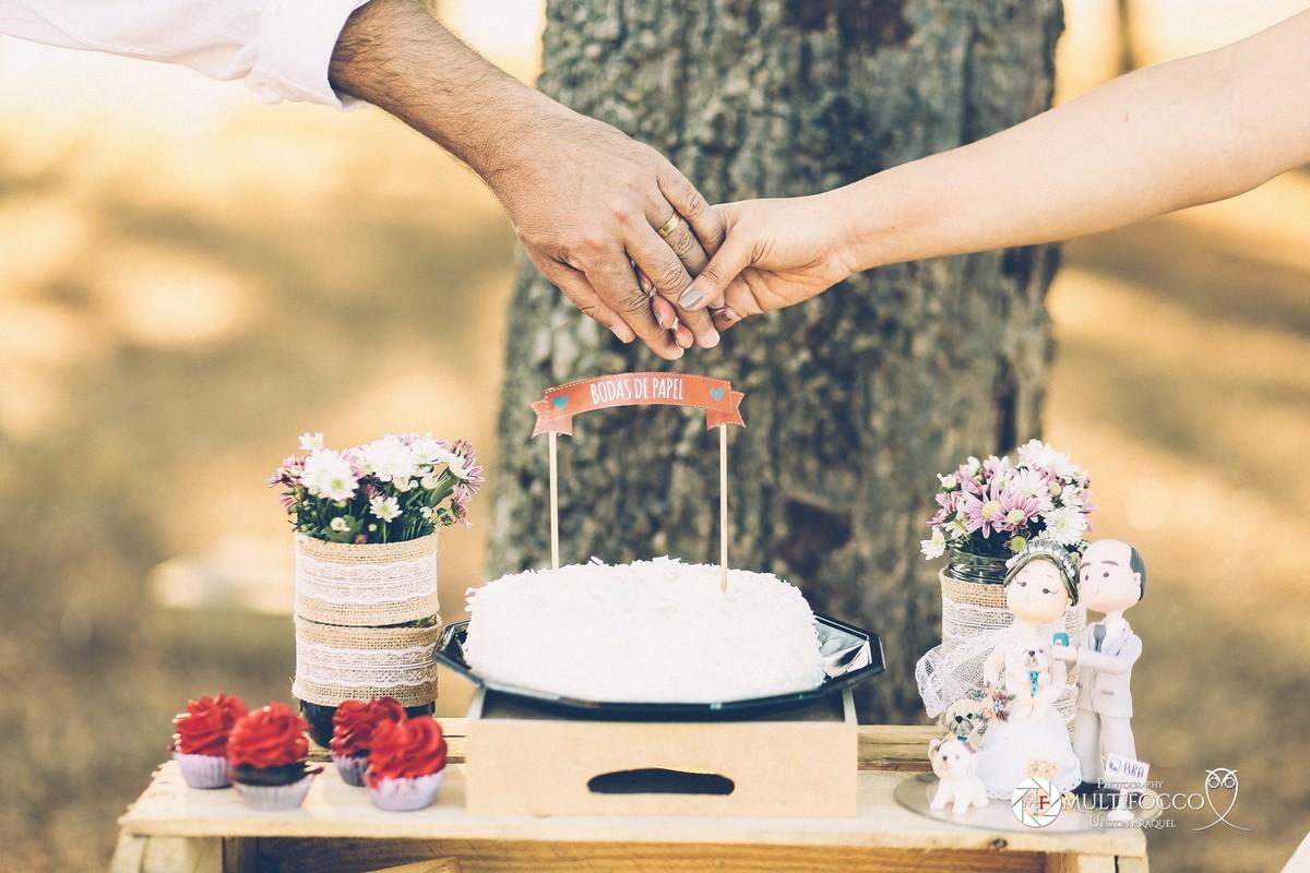 . #Casamento #weddingphotography #luxodefesta #fotografiadecasamento #photography #wedding #noivasdebrasilia #weddingdres #casamentodoano #lapisdenoiva #vestidodenoiva