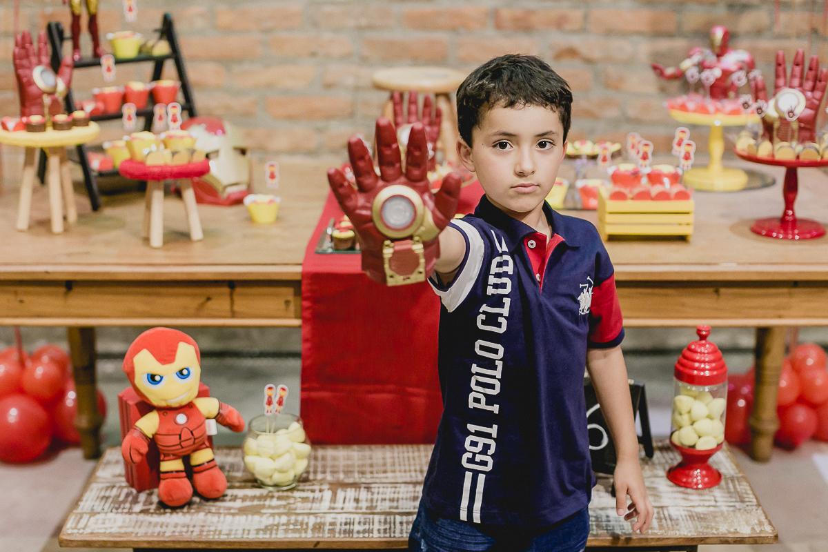 Retrato do Pedro com a mão do homem de ferro
