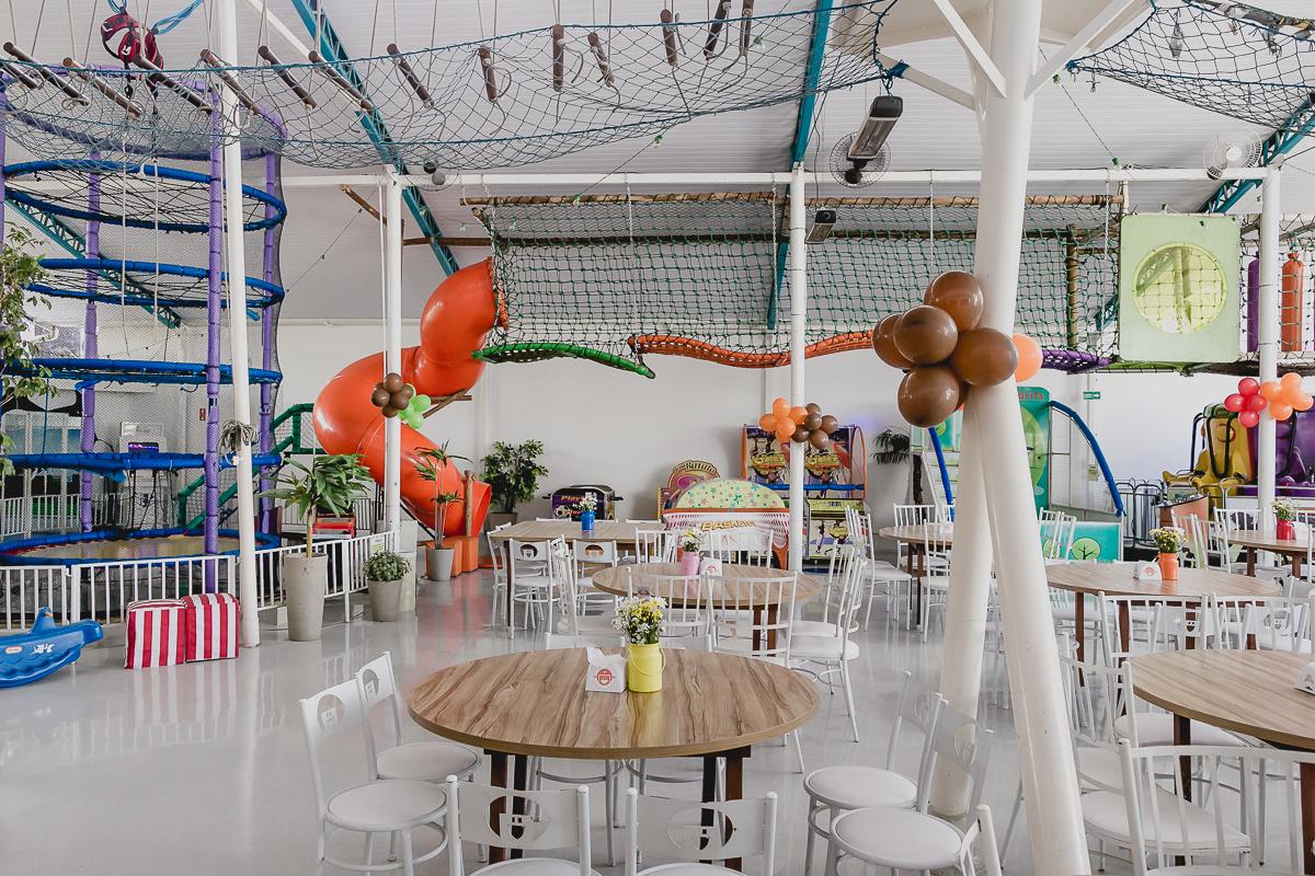 interior e atraçoes do buffet sdrifs em sao jose dos campos sp