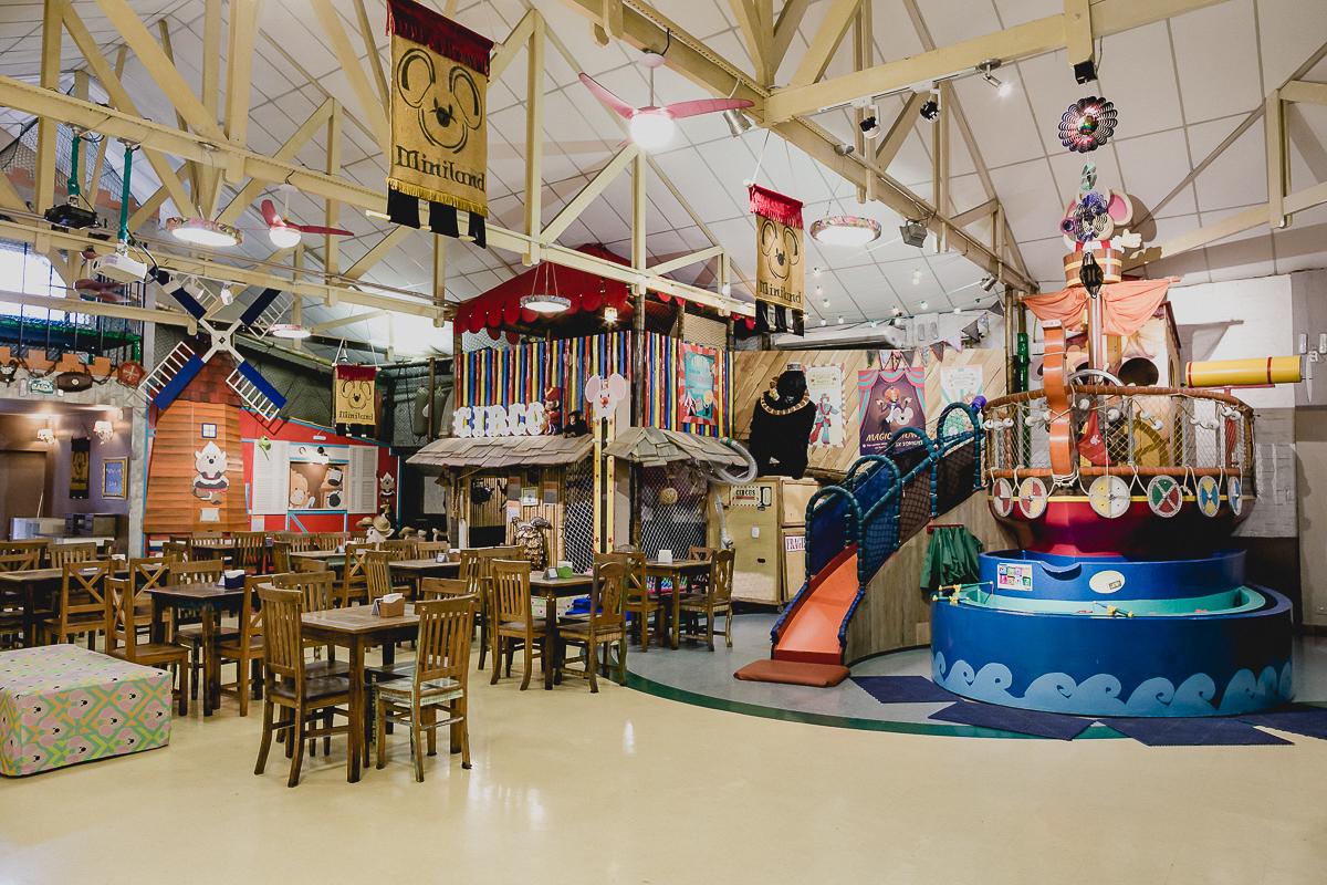 interior e atrações do buffet miniland tatuapé