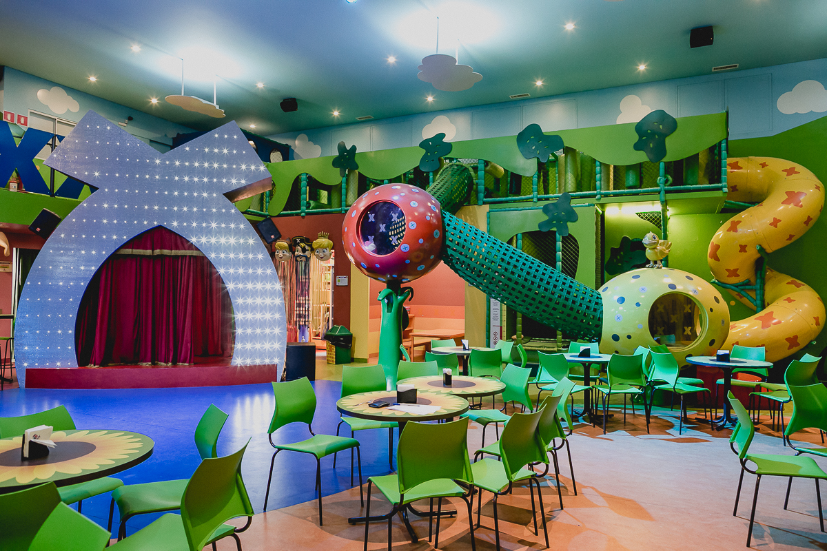 interior e atracoes do buffet casa x localizado no ipiranga zs sp