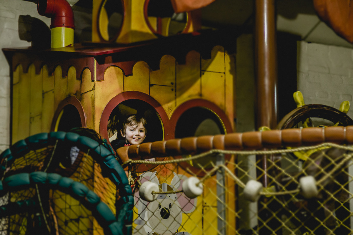 Pirata no barco no Buffet Miniland - Tatuapé - SP