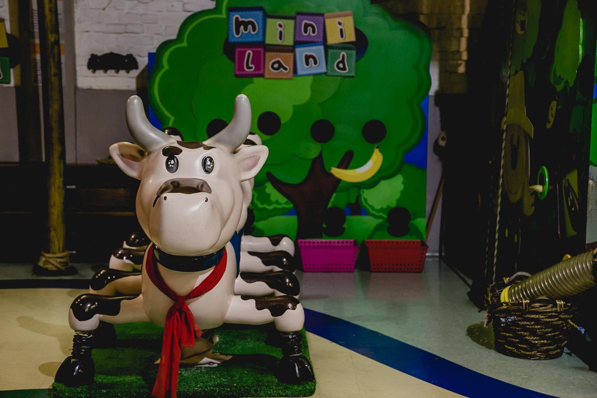 Vaquinha de brinquedo no Buffet Miniland  - Tatuapé - SP