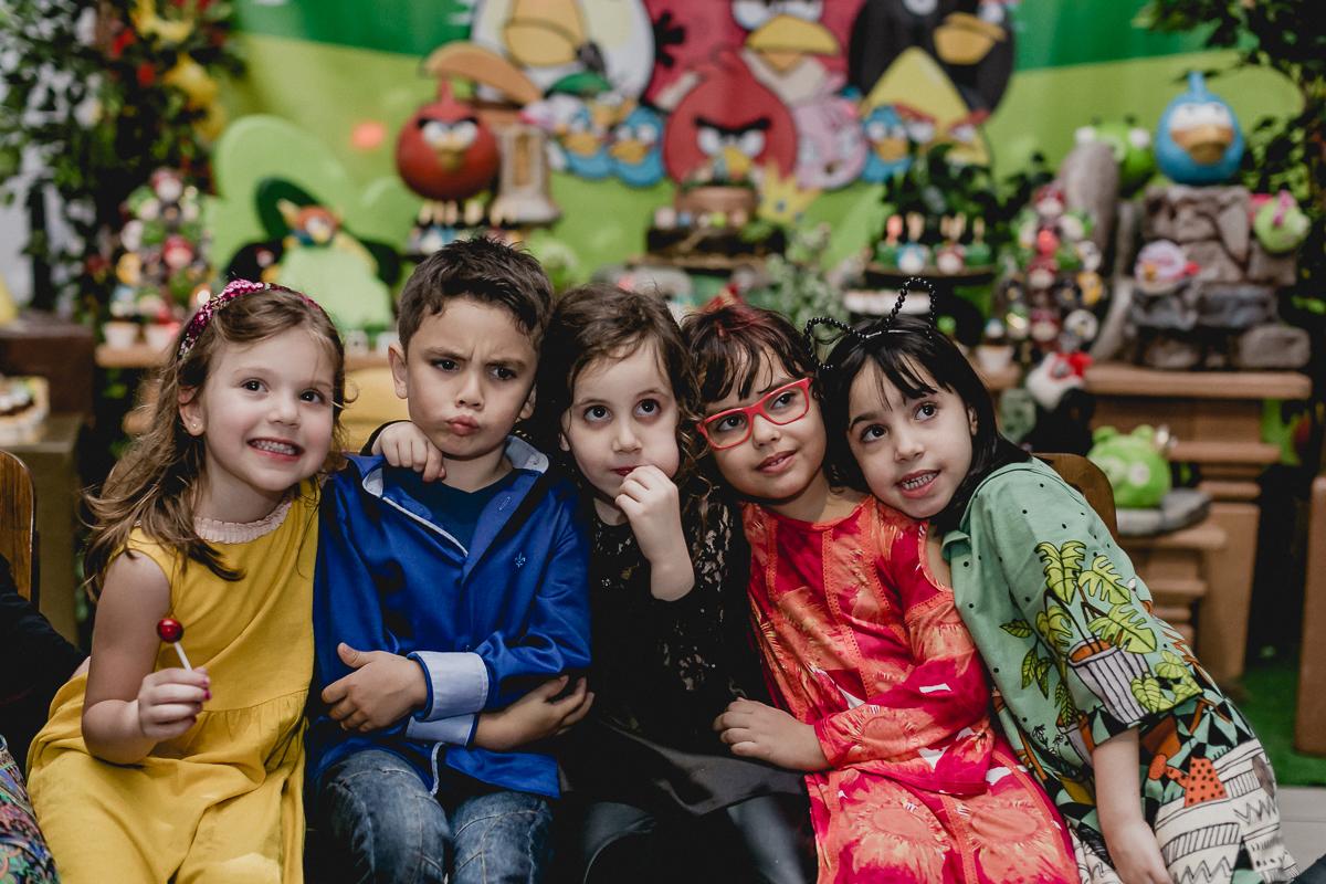 Samuel e amigas continuam assistindo a retrospectiva no Espaço Diversão e Arte - Zona Norte - SP