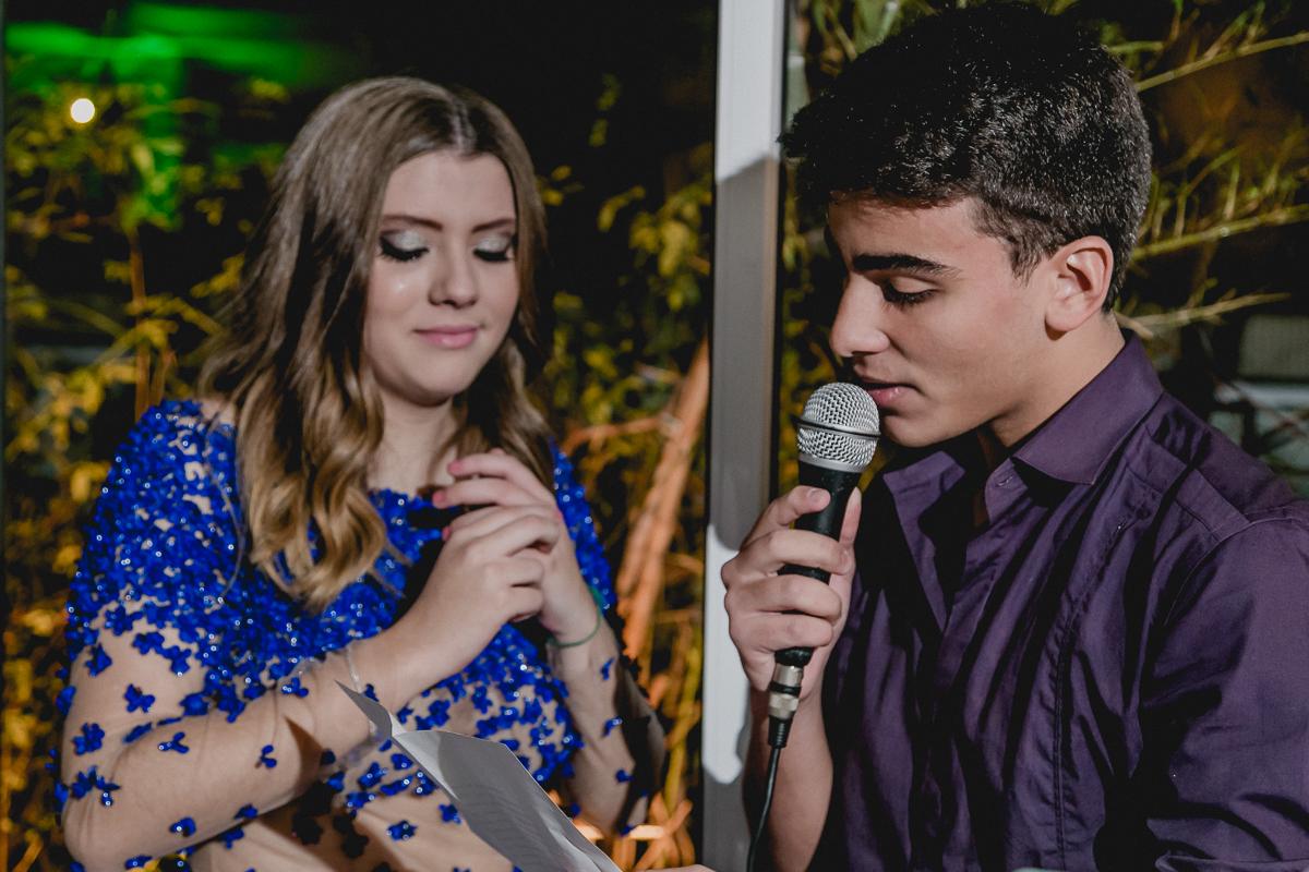 Discurso do primo na festa da Renata