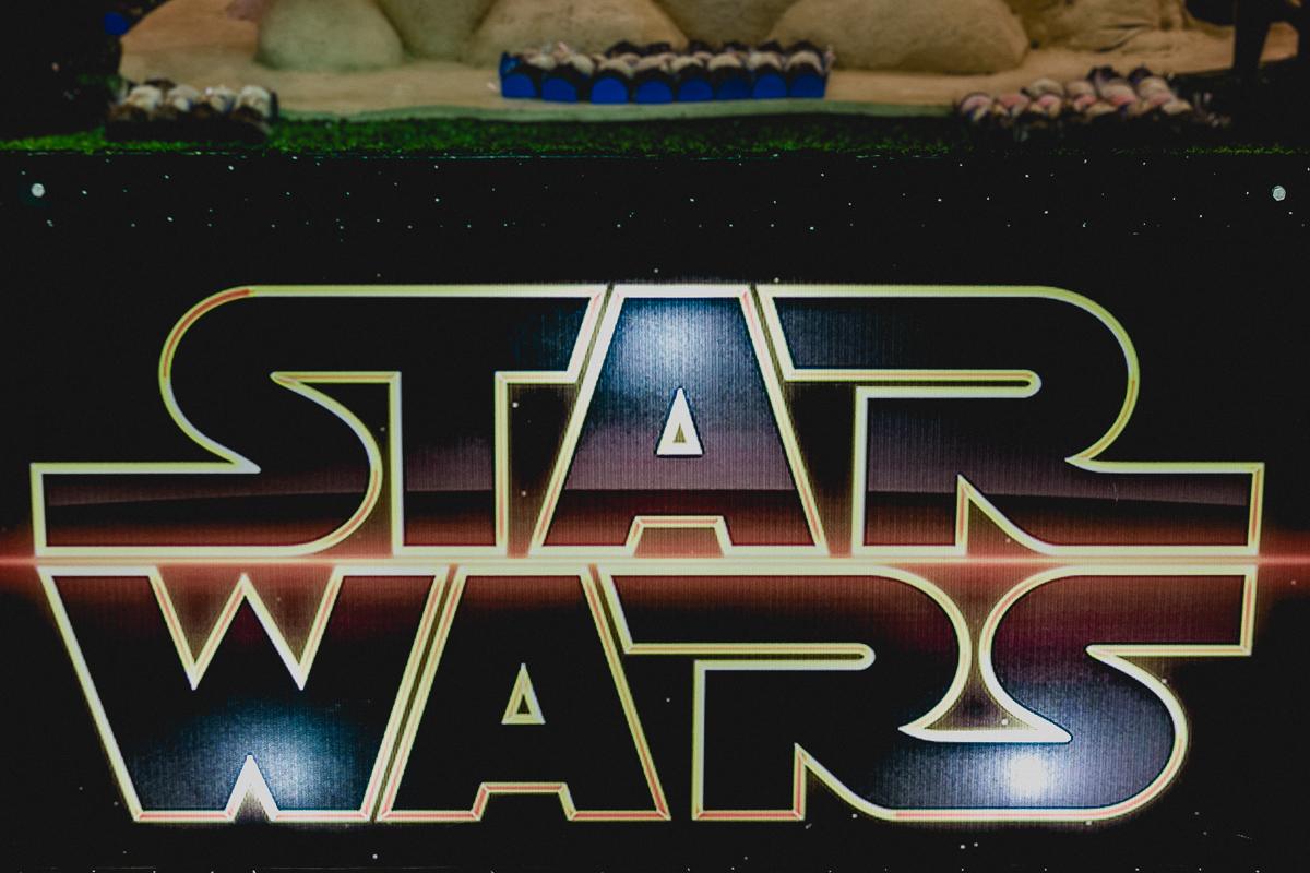banner da mesa do bolo com o tema star wars