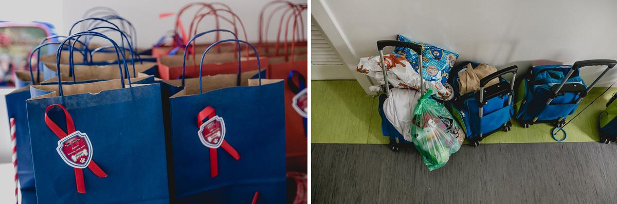 detalhes da lembrançinha e das mochilas na porta da sala de aula