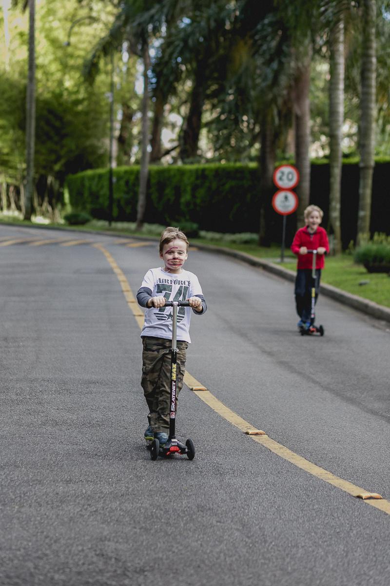 descendo a rua