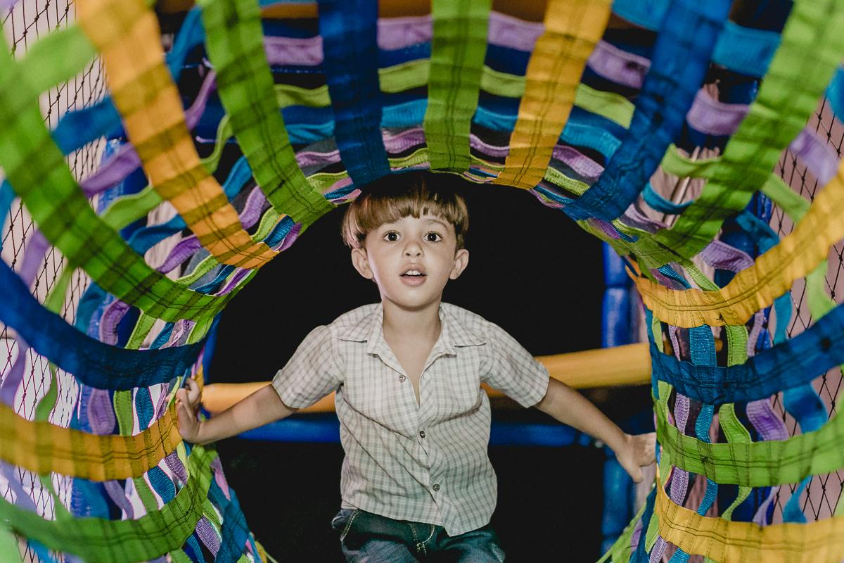 retrato do amiguinho no tunel do brinquedao