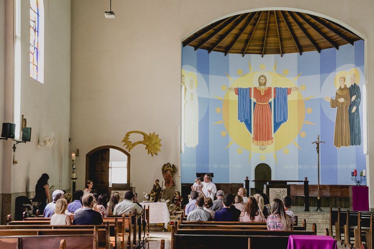 inicio da cerimonia de batismo do Theo