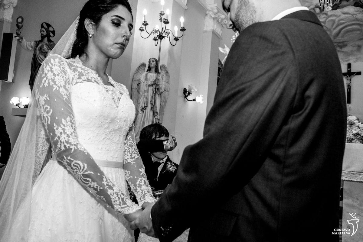 Noiva e Pajem chorando muito