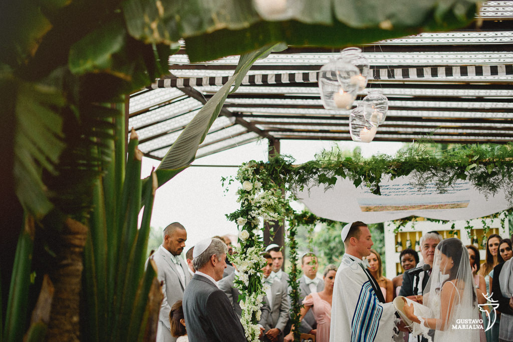 noivos no casamento judaíco
