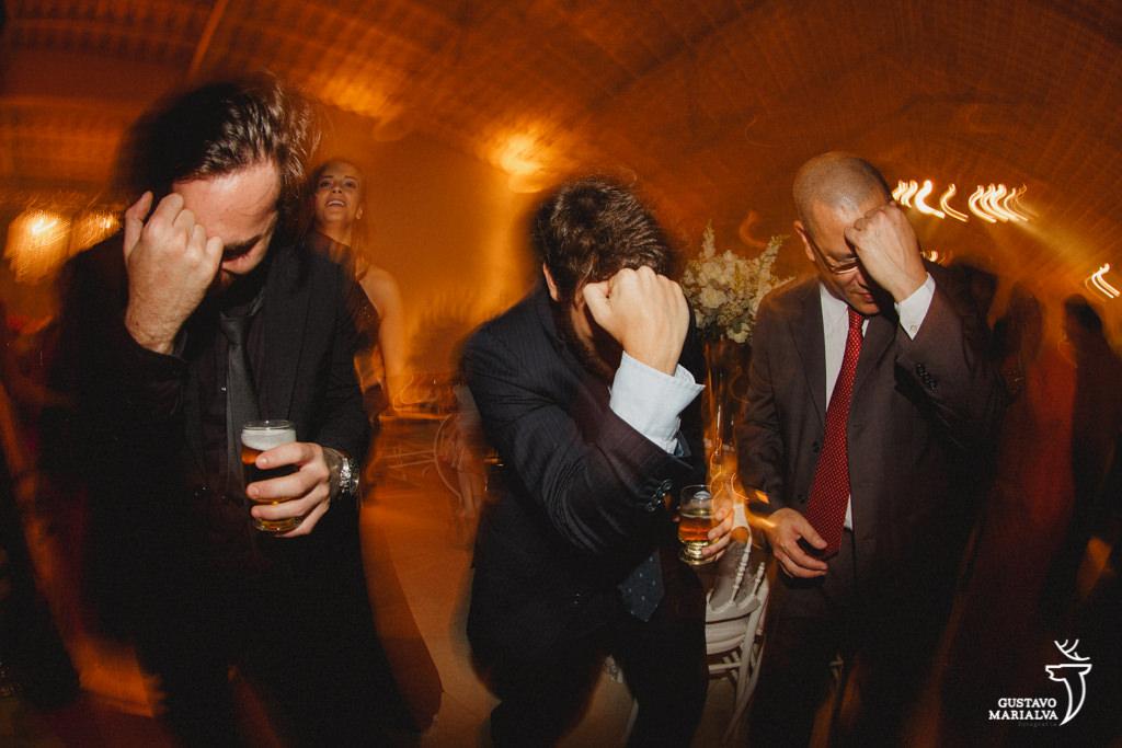 convidados dançando sertanejo
