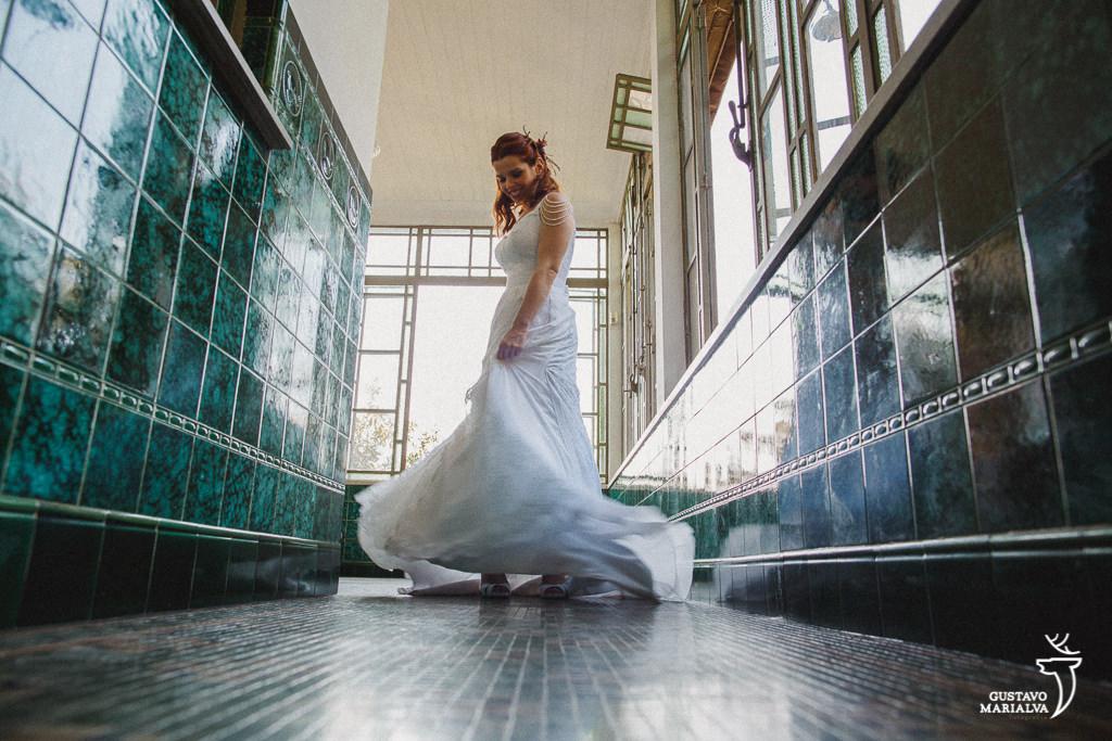 noiva dançando durante o making of de casamento