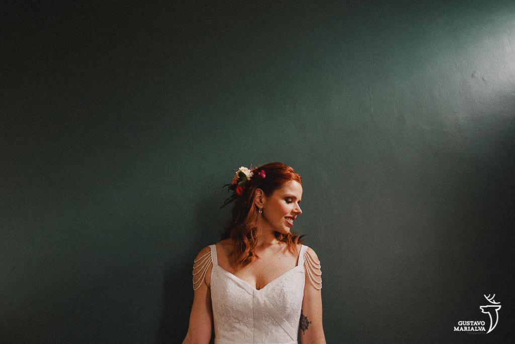 noiva posando durante o making of de casamento