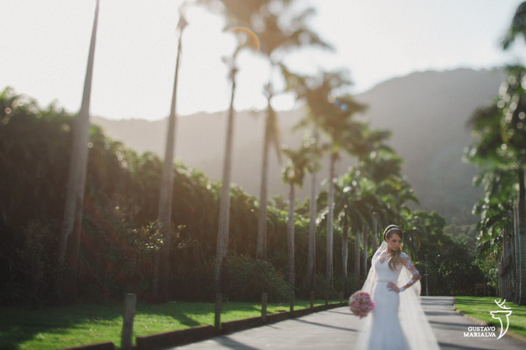 noiva posando para retrato no Lajedo durante o making of do casamento