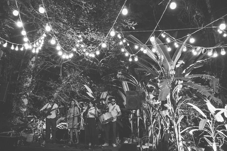 banda de forró tocando na festa de casamento