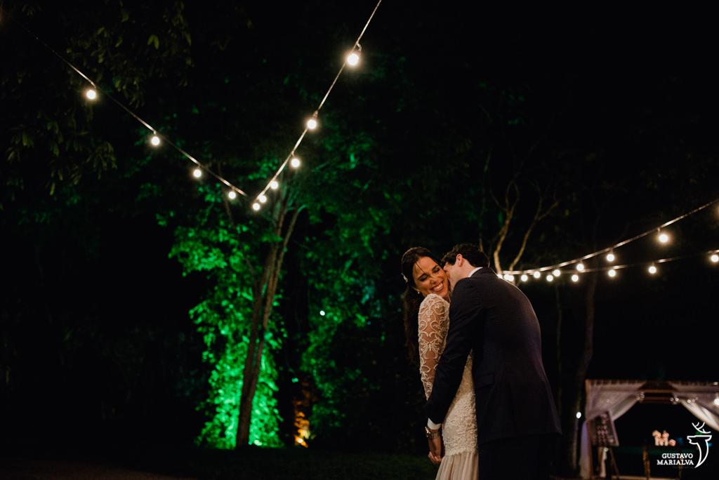 retrato dos noivos no sitio meio do mato