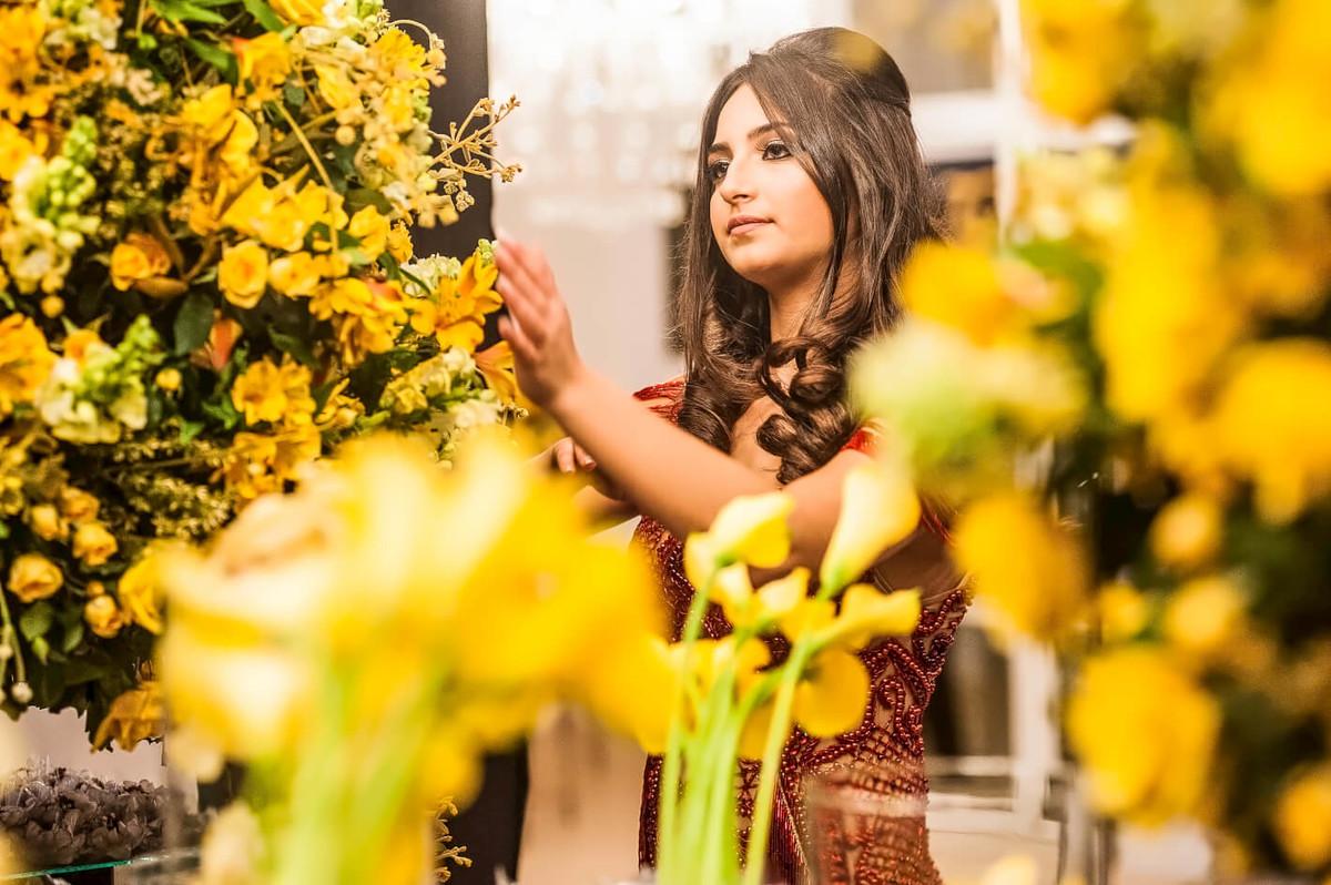 Fotografia de decoraçao com debutante