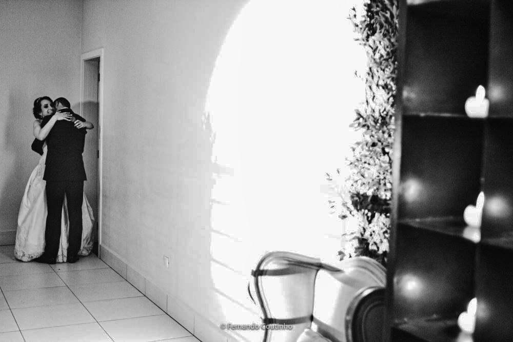 cena de video linda do casal namorando na fsta de seu casamento no villa nobre eventos na cidade de americana sao paulo