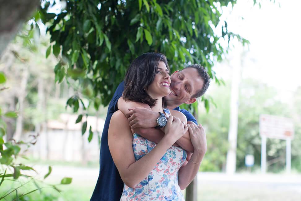 casal de noivos faz fotografia casamento amparo pedreira fotografia ensaio fotografico pre wedding serra negra lindoia e aguas de lindoia