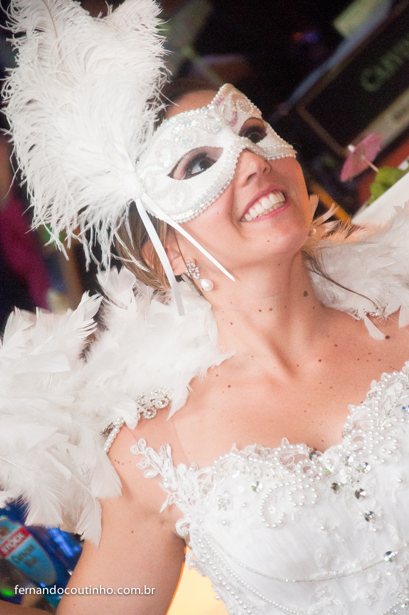 Balada, festa animada, festa de casamento, adereços de casamento, Dança do casal, valsa dos noivos, valsa do casal, coreografia dos noivos, Bride and groom, beijo dos noivos, beijo de casamento, ensaio dos noivos, pre wedding, ensaio casal,