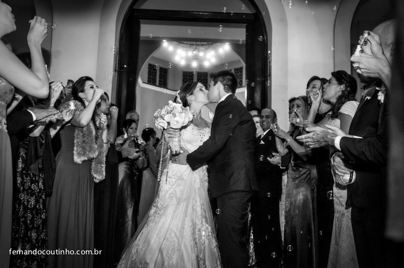 kiss, Bride and groom, saida do casal, beijo dos noivos, beijo de casamento, saida de casamento, Fernando Coutinho Fotografia e Cinema, Fernando Coutinho Fotografia e Filme, Fernando Coutinho Foto e Video, Noiva no carro, carro da noiva, noiva linda, ceri