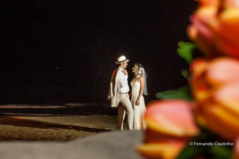 Ensaio do casal, fotos dos noivos, ensaio da noiva, foto de noiva, foto de noivo, fotos na praia, fotos beira mar, fotos a luz da lua, Fotos de familia, fotos protocolares, fotos de padrinhos, fotos dos pais, fotos com amigos, fotos com irmaos, fotos com