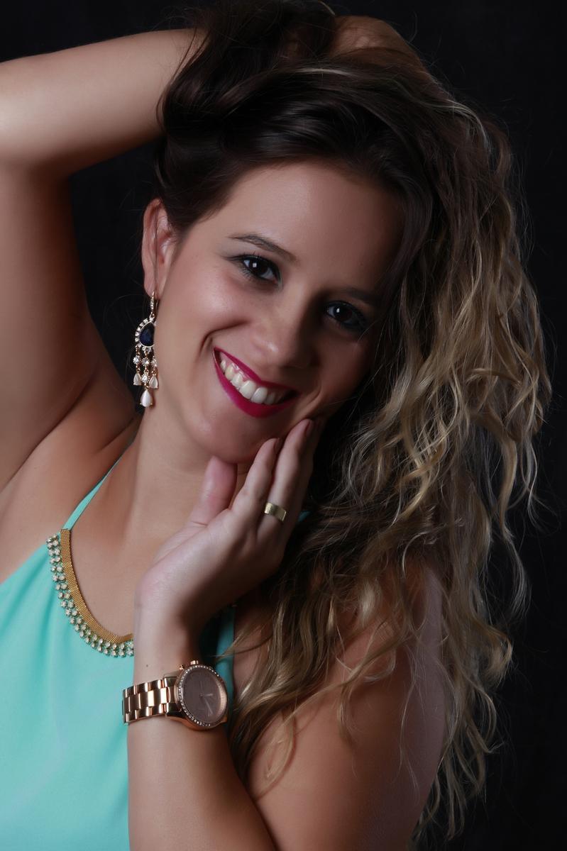 pose, angulo, sorriso, olhar e um clic para realizar um book maravilhoso atraves da lente do fotografo nico localizado na octogonal em brasilia. veja os trabalhos no site www.nicofotografo.com.br