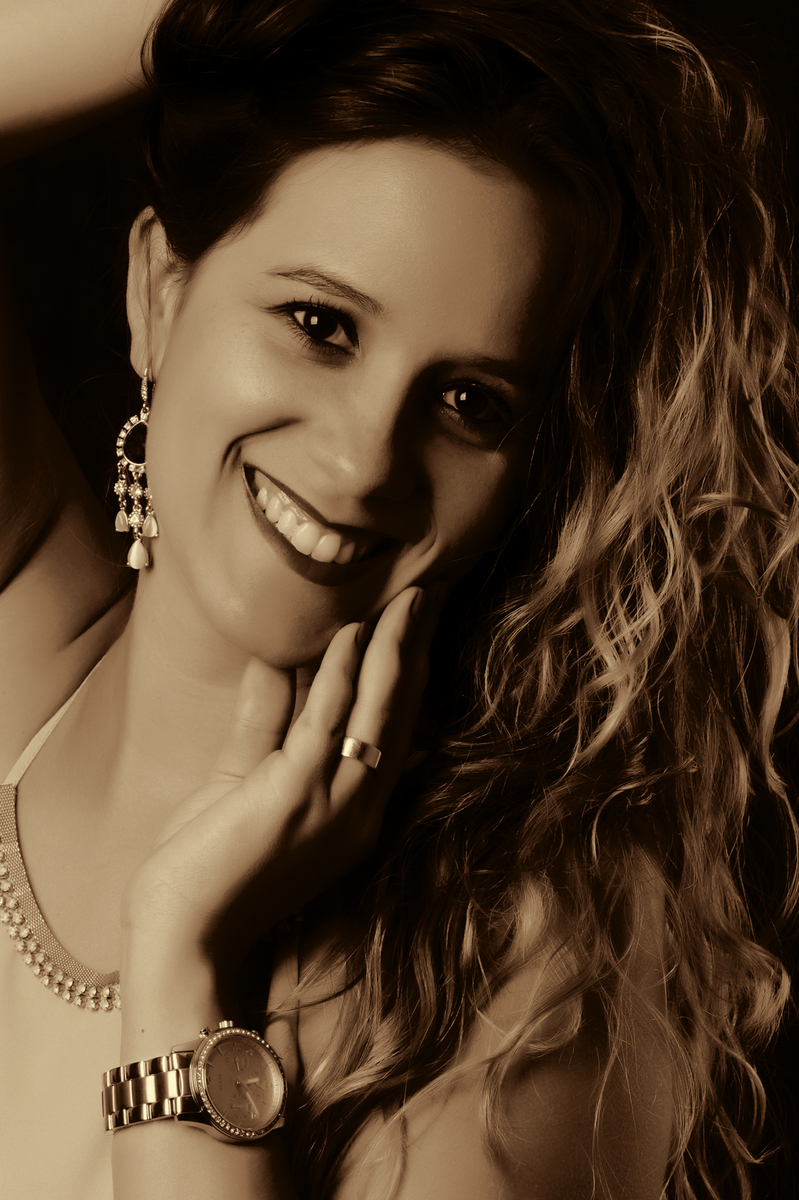 vamos clicar essa deusa, afinal de contas ela esta no templo do nico fotografo para um ensaio fotografico maravilhoso. veja os trabalhos em seu site www.nicofotografo.com.br