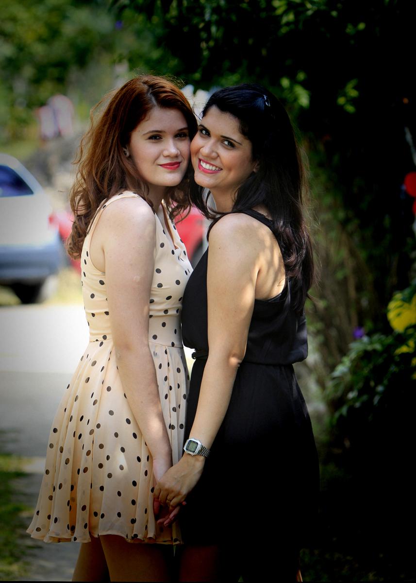 as duas sao verdadeira amigas, irmas, cumplice e tudo mais parabens as modelos e ate o proximo ensaio fotografico