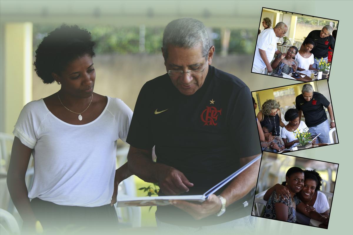 com um olhar concentrado nas fotos o casal observa os detalhes de cada trabalho realizado pelo nico fotografo em brasilia