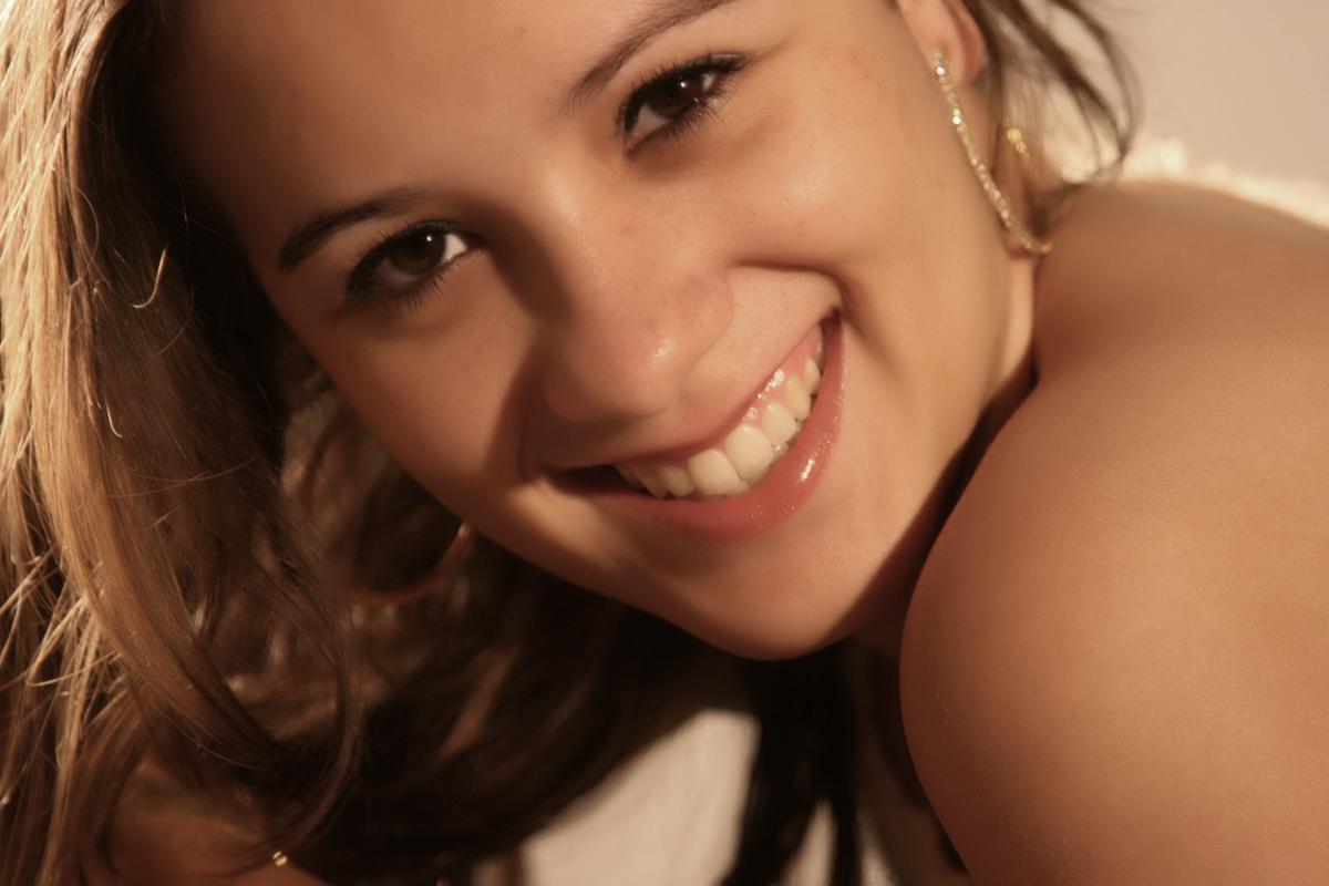 um sorriso lindo adentrou no estudio do fotografo nico que nao perdeu tempo em fotografar essa modelo. veja outras fotos nas redes sociais, no instagram, no face, no blog.nicofotografo.com.br ou no site www.nicofotografo.com.br.