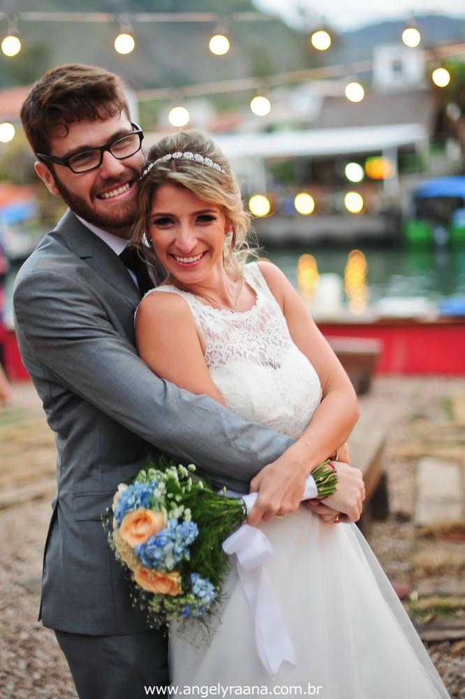 fotografia do casamento de dia para o casamento diy no fim da tarde na Ilha da Gigoia na Barra da Tijuca RJ com fotojornalismo de casamento