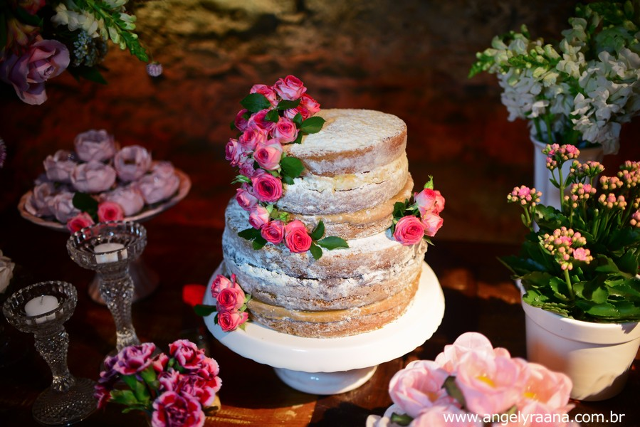 naked cake por LaNata Patisserie no mini wedding realizado no restaurante Nanquim