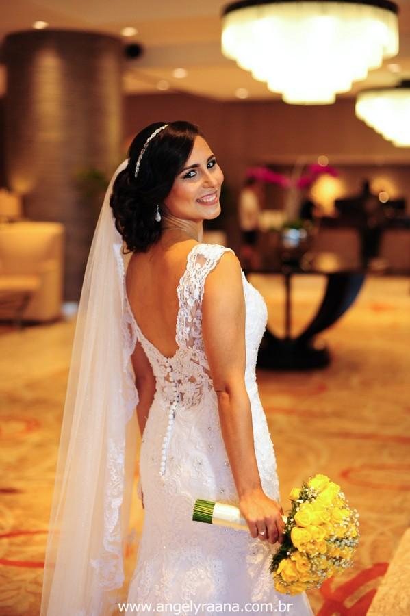 vestido de noiva lindo, casamento rj, casamento maricá, sheraton hotel, casamento dos sonhos, melhor fotografa de casamento niterói, igreja são pedro, aberema 7, noiva carioca, making off