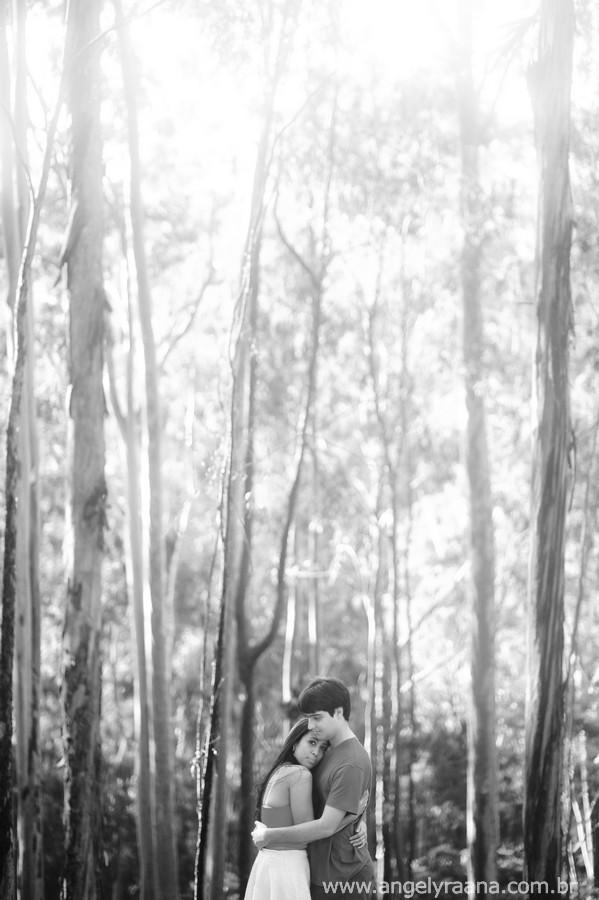 ensaio de noivos pre wedding estilo natural floresta realizado na cidade de Niterói Rio de Janeiro