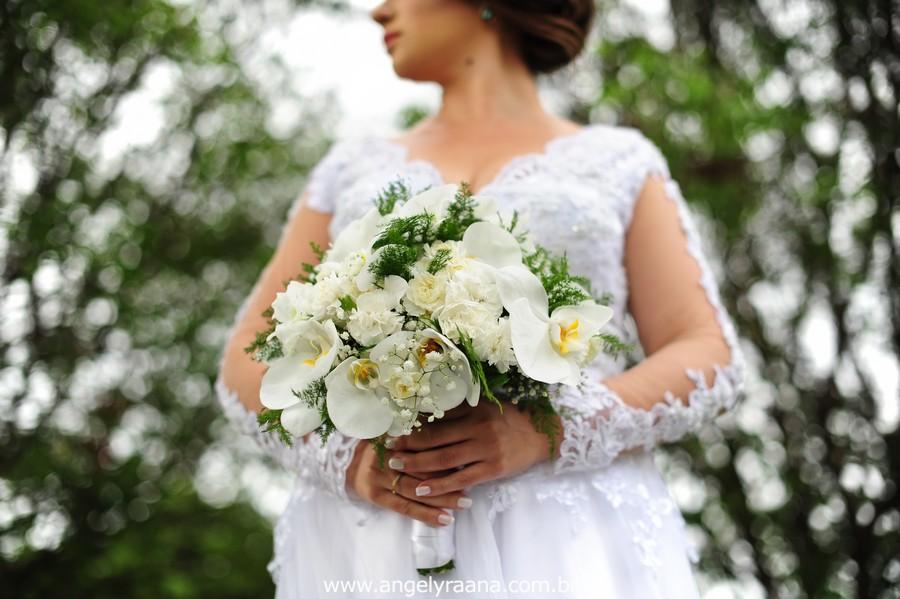 making off da noiva no jardins do chalé em são gonçalo do casamento estilo diy folk de dia da vivan e thiago